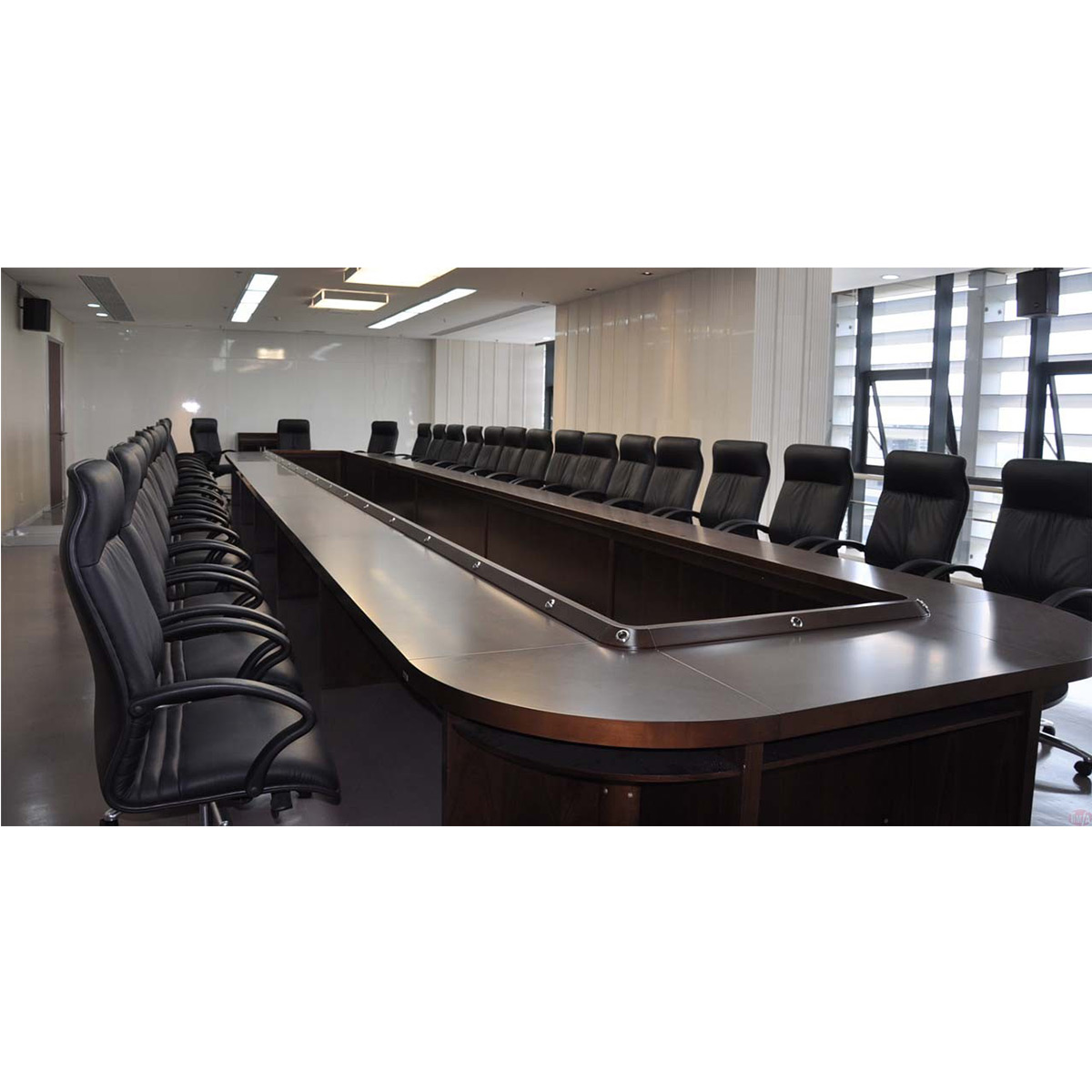 TF25 Boardroom Table